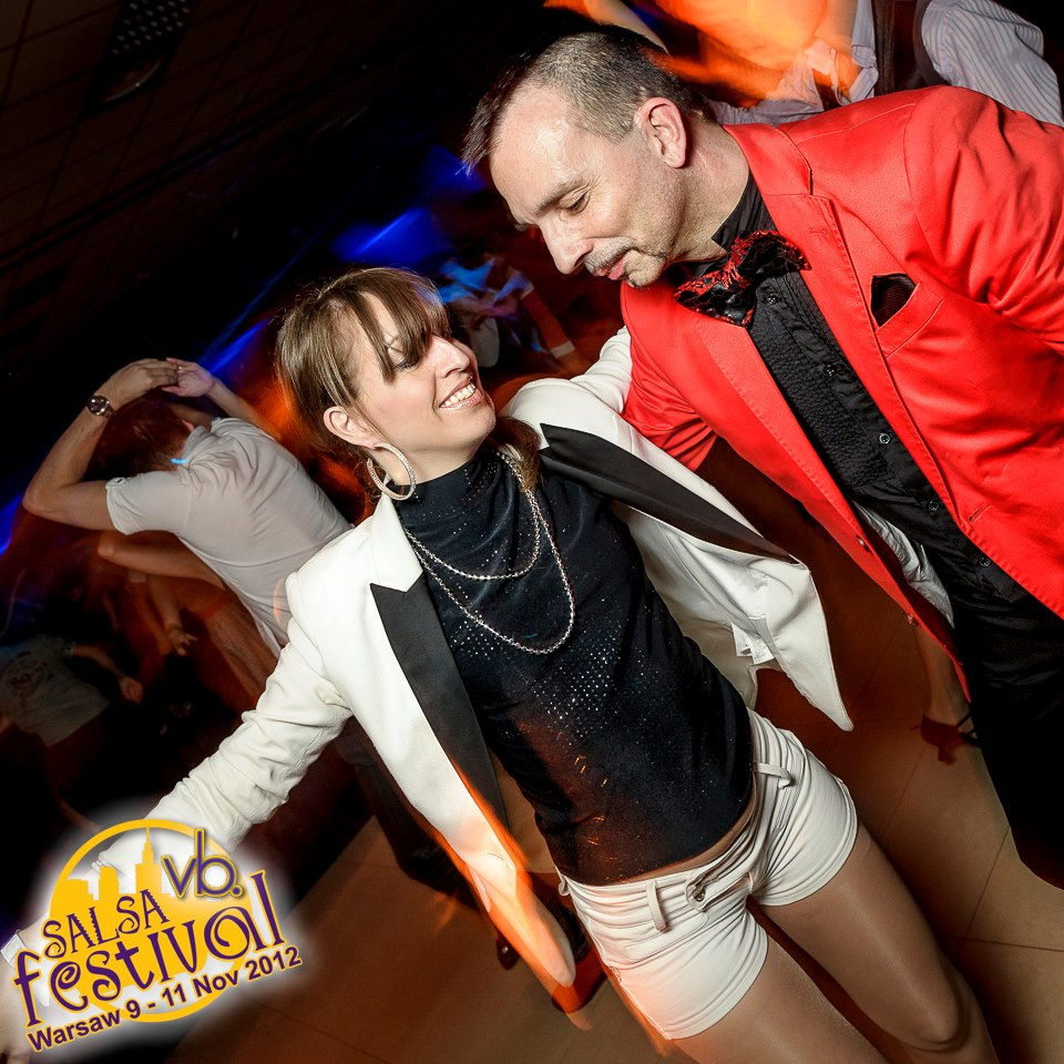 Social dancing in Warsaw with Franco (organizer of the Berlin Salsa Festival)